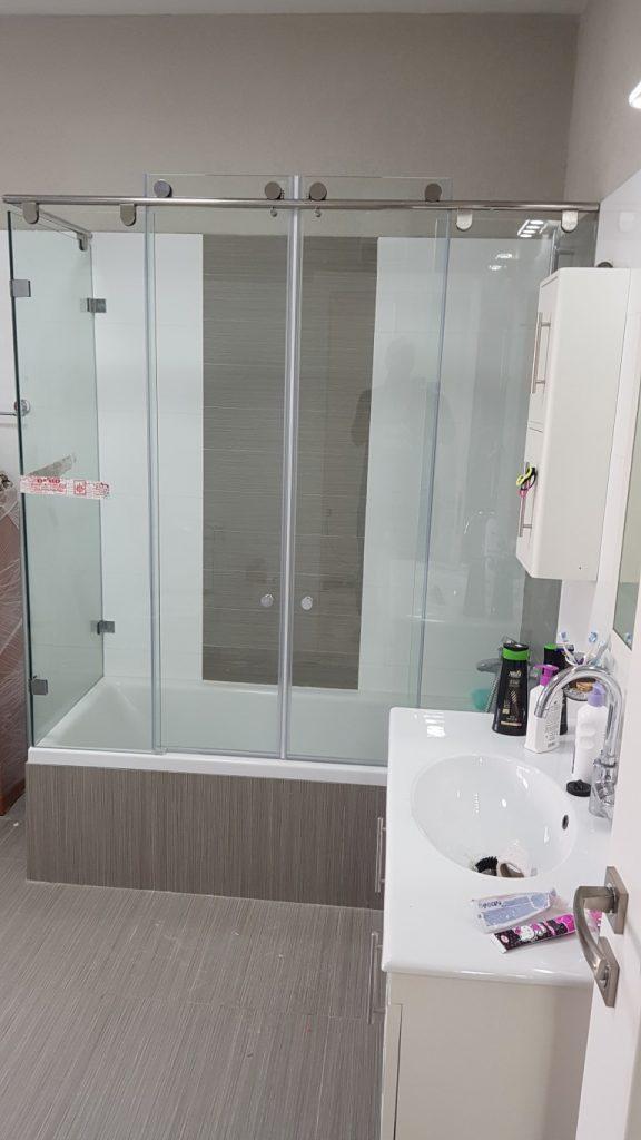 מקלחוני זכוכית1 (Medium)