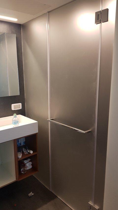 מקלחוני זכוכית3 (Small)